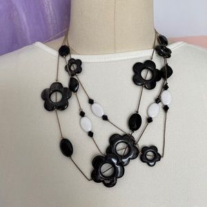 RETRO Groovy Layered 1960s Flower Power Necklace